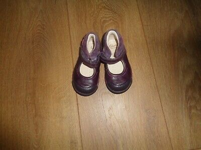 Infant Girls Plum Leather Clarks Shoes Size 4F