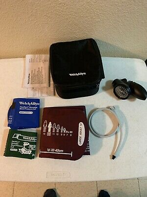 Welch Allyn DS58-MC Gauge Sphygmomanometer Family Practice Kit Case 3 Cuffs