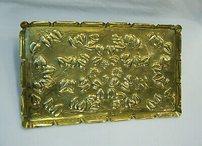 OUTSTANDING LARGE ANTIQUE ARTS & CRAFTS ART NOUVEAU FLORAL BRASS TRAY C1910 vgc.