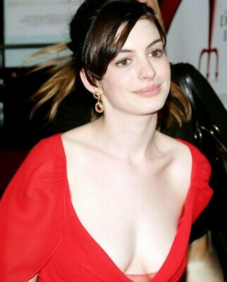 Anne Hathaway 8X10 Glossy Photo Picture Image #13