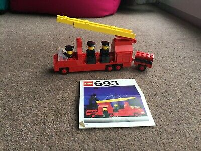 Vintage 1970s Lego set 693 - Fire Engine with Firemen with instructions