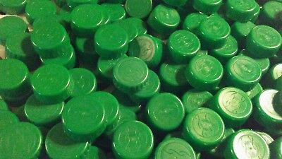 Lot Of 900 Green Plastic Water Bottle Caps - Clean - Great For Crafts