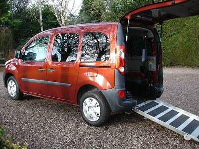 Renault Kangoo 1.6 16v  autotomatic Wheelchair Accessible Vehicle WAV Disabled