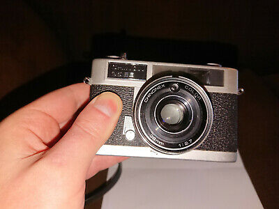 Vintage Chinon 35 EE Rangefinder camera with Chinonex 38mm 1:2.7 lens