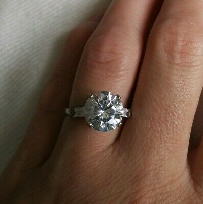 VTG 14k White Gold 10mm Round Cut Cubic Zirconia Solitaire With Accent Ring 7.5