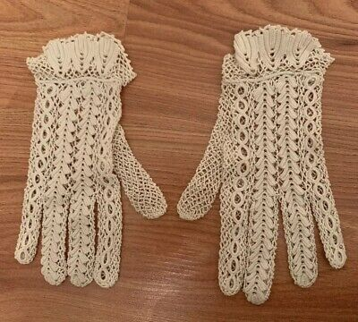 Beautiful Vintage Hand Made In France Crochet Lace Gloves Size Small Ivory