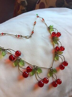 art deco 1940s 1950s  Rockabilly Vintage style Glass Cherry Necklace