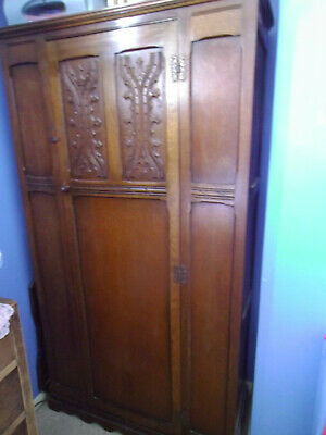 Antique Arts & Crafts carved oak wardrobe - excellent condition - Ramsgate, Kent