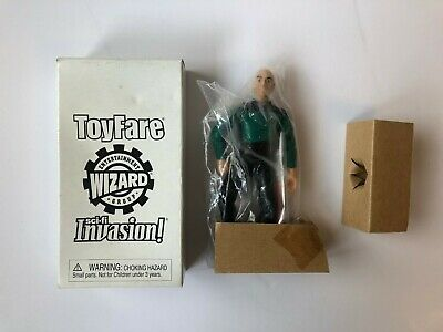 Star Trek TNG Captain Picard Tapestry ToyFare Exclusive Playmates Figure