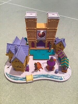 Vintage Disney Bluebird Polly Pocket 1995 Hunchback of Notre Dame Light-up