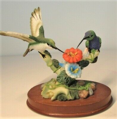 """Two Hummingbirds with Red Flower Figurine on Wood Base 5"""" x 4"""""""
