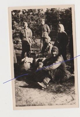 Russian Folk Peasant Refugee with posing soldiers СССР Бежнцы и немецкие солдат