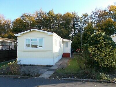 2 Bed Mobile Residential Home *URGENT SALE* SENSIBLE OFFERS-BEAUTIFUL AVEBURY