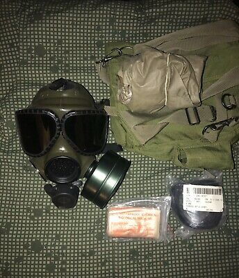M 40 Protective Gas Mask w/ carrying case,lens,hood,filter(msa,m50,m40,usmc)