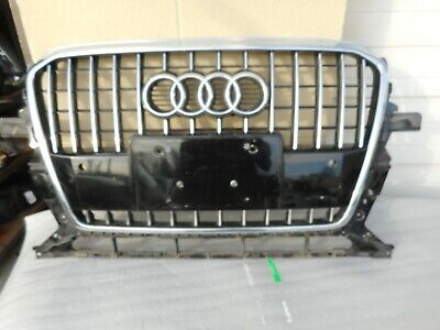 AUDI OEM 09-12 Q5 Grille Radiator Support-Top Cover Panel 8R0807081