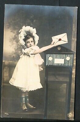 Used Glamour Postcard – Child with Letter (880)