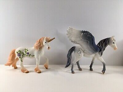 Schleich Unicorn And Pegasus Lot Of 2 Year 2015 Display Only