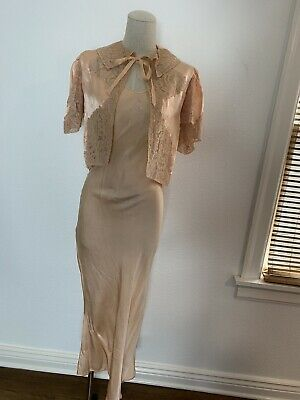 Vintage 1940's Peach Silk Bias Cut Lingerie Set With Lace
