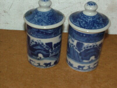 2x Chinese Blue and white Porcelain Ginger Jars Matching pair