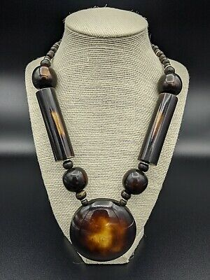 Beautiful Hand Carved Women's Wooden Necklace. NO RESERVE AUCTION