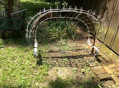 Vintage Twisted Wire Double Swing