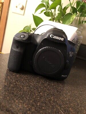 Canon EOS 5D Mark III 22.3MP Digital SLR Camera - Black (Body Only) LOW SHUTTER