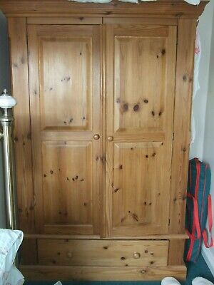 Large traditional solid double pine wardrobe 76 x 46 x 22 inches lovely item