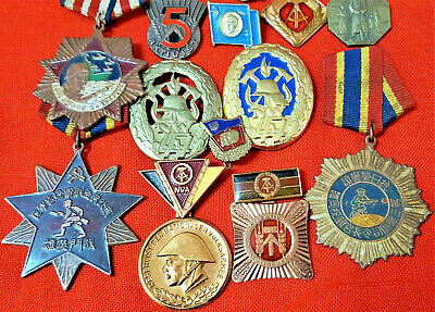 16 x CHINESE EAST GERMAN ARMY & NAVY MILITARY BADGES MEDALS PINS UNIFORM PATCHES