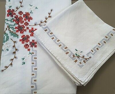 Vintage Embroidered Tablecloth 66x51 with 8 Matching Napkins