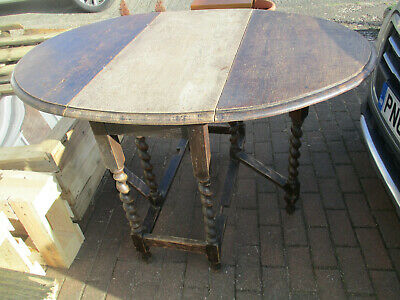 Mid 20th Century solid oak gate legoval table with twisted bobbin legs