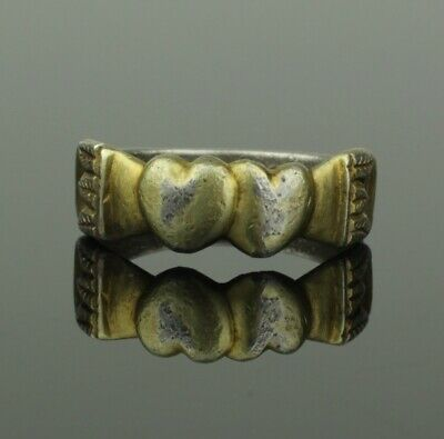 Beautiful Ancient Post Medieval Silver Ring With Heart Bezel - Circa 15Th C Ad
