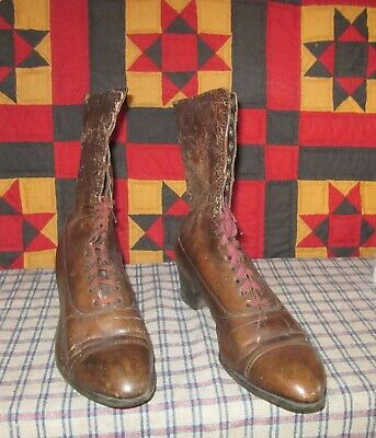 A Pair Of Victorian Vintage Ladies High Top Shoes