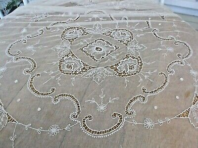 Antique Beautiful Tulle Crochet Floral Full Size Bedspread