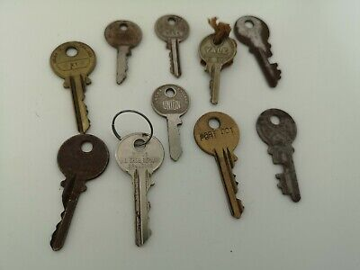10 x  Vintage Keys Collector, Small, uncleaned Steampunk