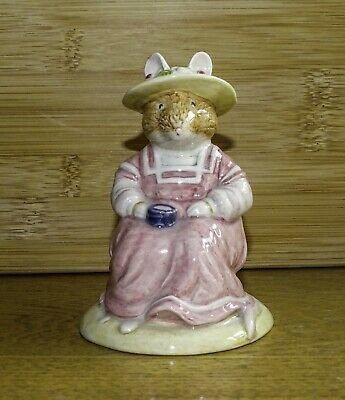 Royal Doulton Brambly Hedge Figurine - Mrs Saltapple