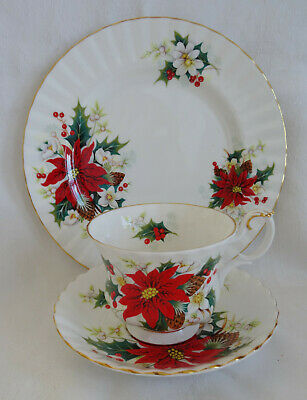 ROYAL ALBERT  Trio CUP SAUCER PLATE  Christmas POINSETTIA Yuletide
