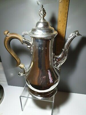 Beautiful Georgian Coffee Pot, London 1765. 840g Excellent Condition.