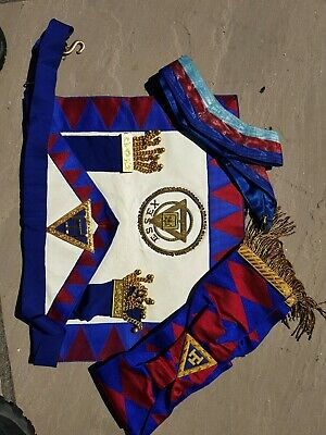 A Used Provincial Apron Royal Arch Essex Standard Bearer & Sash & Collar