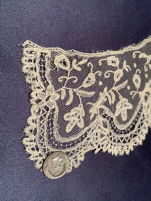 Lovely Antique Handmade Brussels Bobbin Off White Lace Collar Fine Workmanship