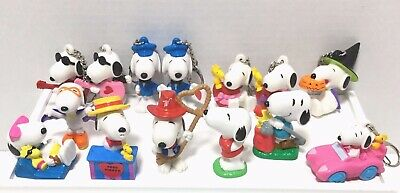 Lot of 14 Peanuts Snoopy PVC 8 Keychains 6 Figures Wilton Valentines Halloween