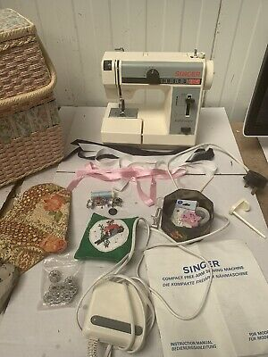 Singer Featherlight Sewing Machine SPARES OR REPAIRS