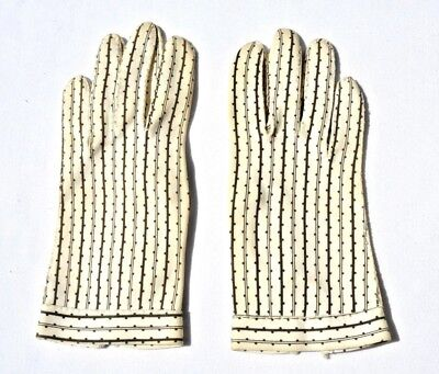 Vintage Women's Patterned Pair Of Gloves Rare