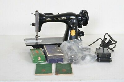 Singer 15-91 Sewing Machine W/Accessories Heavy Duty 1948 Needs Some Work Nice