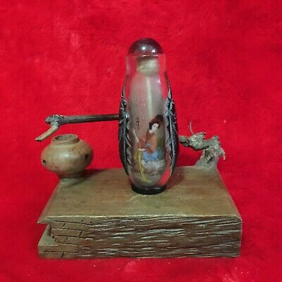 Antique Collection Asian Chinese Beauty Ladies Old Peking Glass Snuff Bottle