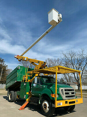 2007 Ford F70 75' Elevator Over Center Chipper Dump Forestry Bucket Boom Truck