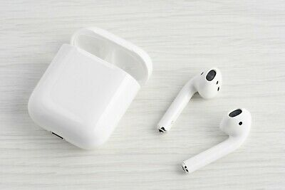 Apple AirPods 2nd Generation Wireless Earbuds & Charging Case MV7N2AM/A H1 Chip