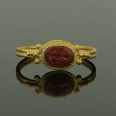 ANCIENT ROMAN GOLD CLASPED HANDS JASPER INTAGLIO RING - 2nd Century AD
