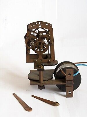 Very Rare Electric Clock Movement – 1920's 1930's 240v ac runs well Maker unknow