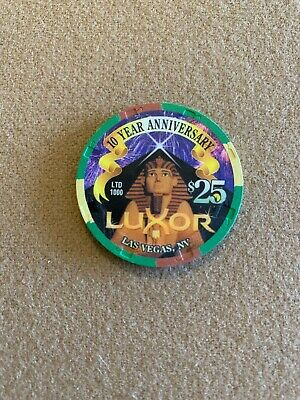$25 Luxor - Awesome Picture Chip! Hard To Find! Look!! Top Condition! Mint!!