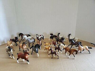 """LOT OF 24 BREYER REEVES 1989/1999  MINIATURE HORSES 18 3"""" And 6 2"""" Preowned"""
